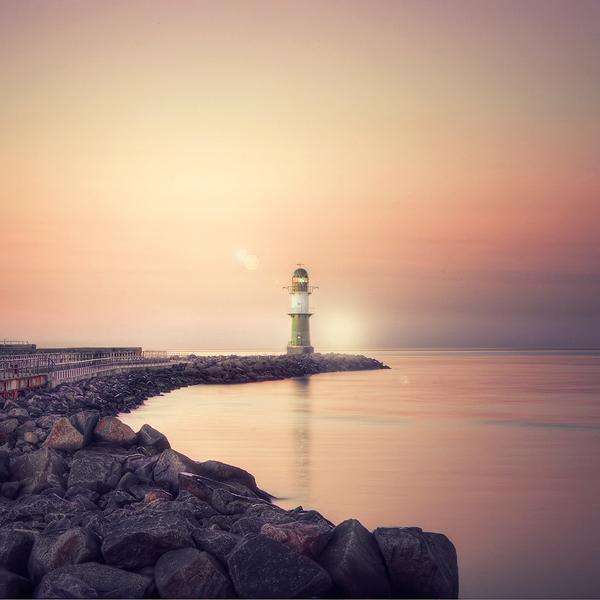 Featured Photographer - Toni Barth - Leuchtturm