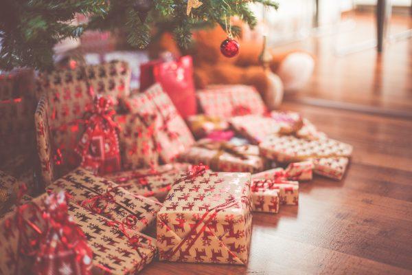 presents for christmas tree